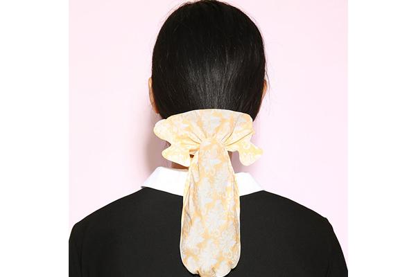 Средство для волос для гладкости против пушистости
